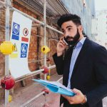 Realitný maklér – 5 dôvodov, prečo by ste sa im mali stať (alebo aj nemali) – výhody a nevýhody